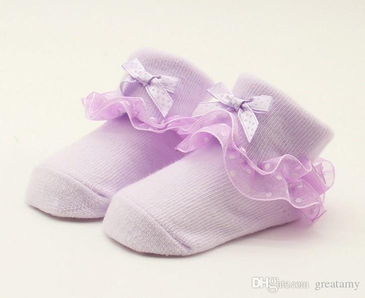 الجملة القطن الجديد عيد الميلاد تدفئة الوليد الطفل أطفال لينة الدانتيل الجوارب عدم الانزلاق مناسبة 0-6 أشهر حجم واحد