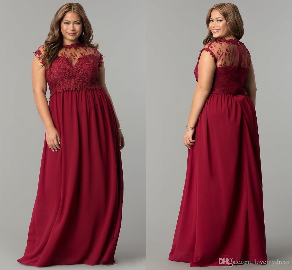 Vestido Plus Size Com Renda Moda Borgonha Chiffon Longo Prom Vestido De  Dama De Honra Sheer Neck Lace Corpete Plus Size Oco De Volta Mangas Curtas  Evening ... 04b516fc5ab5