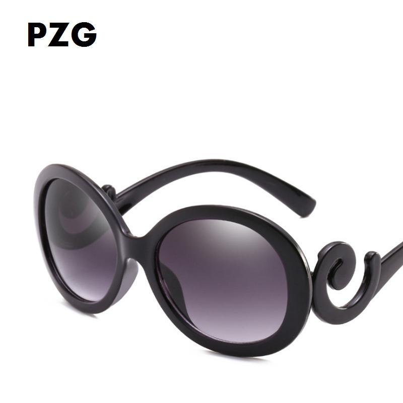9a2071b2de574 Compre PZG Grande Quadro Oval Óculos Clássicos Retro Branco Preto Gradiente Oval  Óculos De Sol Curvo Espelho Pernas Destaque O Charme Das Mulheres De ...