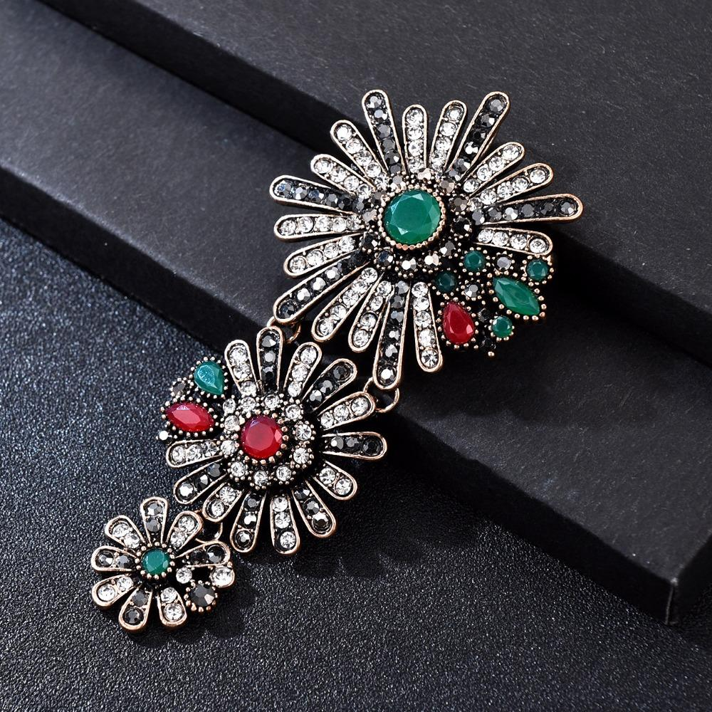 e131f5eabef8d Luxury Vintage Big Daisy Flower Brooch Pins Woman Men Jewelry Accesoires  Suit Hijab Brooches for Women Clothing Broche Indian