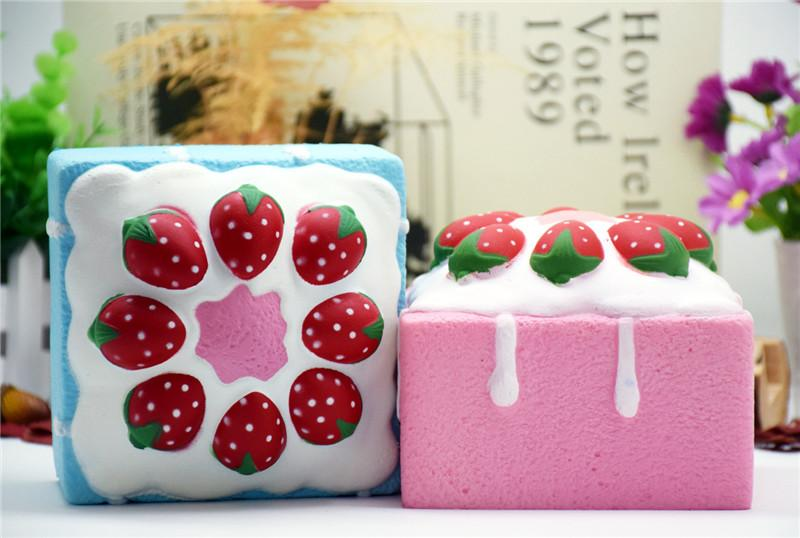 Squishy Square Strawberry Cake Squishy Toy Squeeze Ralentir Simulation Pain Cake Decompression Jouets Enfants Cadeau
