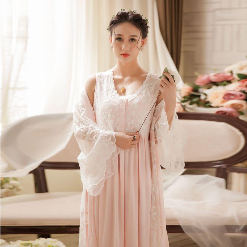 35999cdc98 2019 Soft White Lace Vintage Women Sleepwear Long Nightgown Ladies Sleep  Dress Sexy Home Nightwear 063 From Modleline