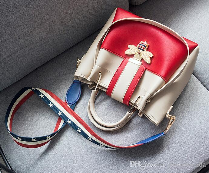 2018. New pattern. Casual fashion woman bag. A bucket bag. Handbag. Small. PU. Cross Body. Shoulder Bags. Totes. designer handbags.