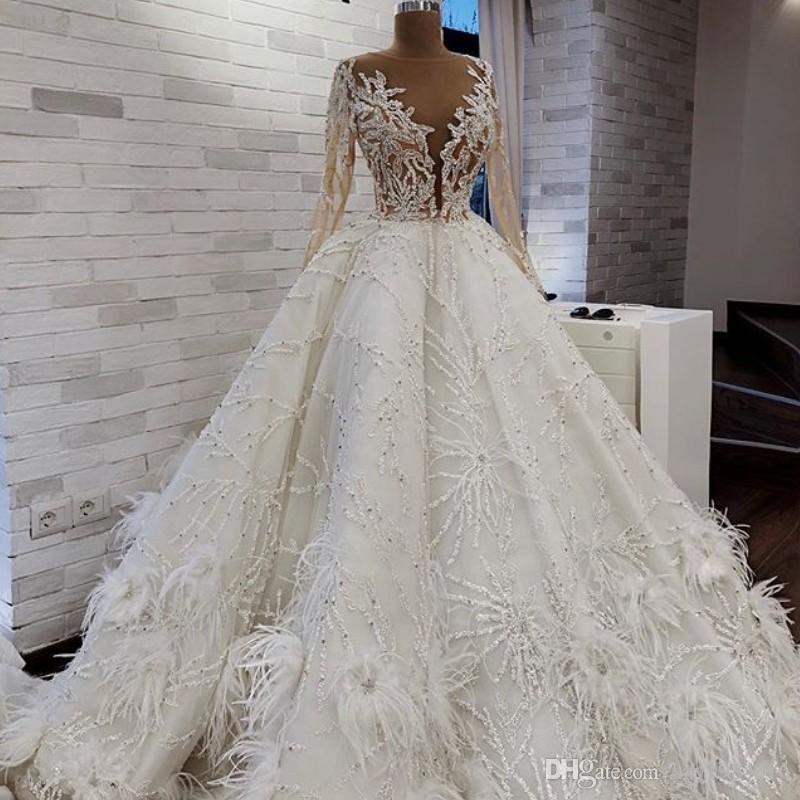 Robe de mariee de luxe en plume