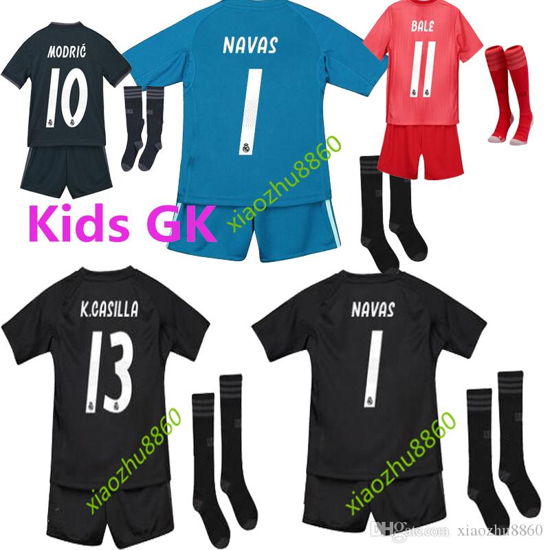 buy popular feb3f f4c7c 2018 2019 Real Madrid Goalkeeper balck kids kit+socks Soccer Jersey 18 19  Real Madrid #1 NAVAS blue soccer shirt COURTOIS Football uniforms