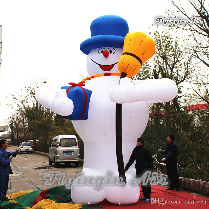 2018 outdoor christmas decorations giant 3m6m height white airblown inflatable snowman with broom for xmas decoration from calmwen 5681 dhgatecom