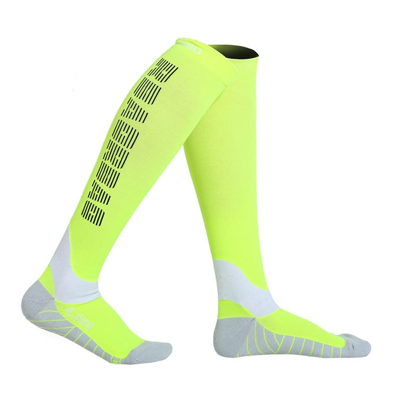 d157e1ca900 2019 Professional Running Socks Reflective Socks Night Jogging Knee High  Cycling Outdoor Compression For Men And Women R203G From Miaoshakuai