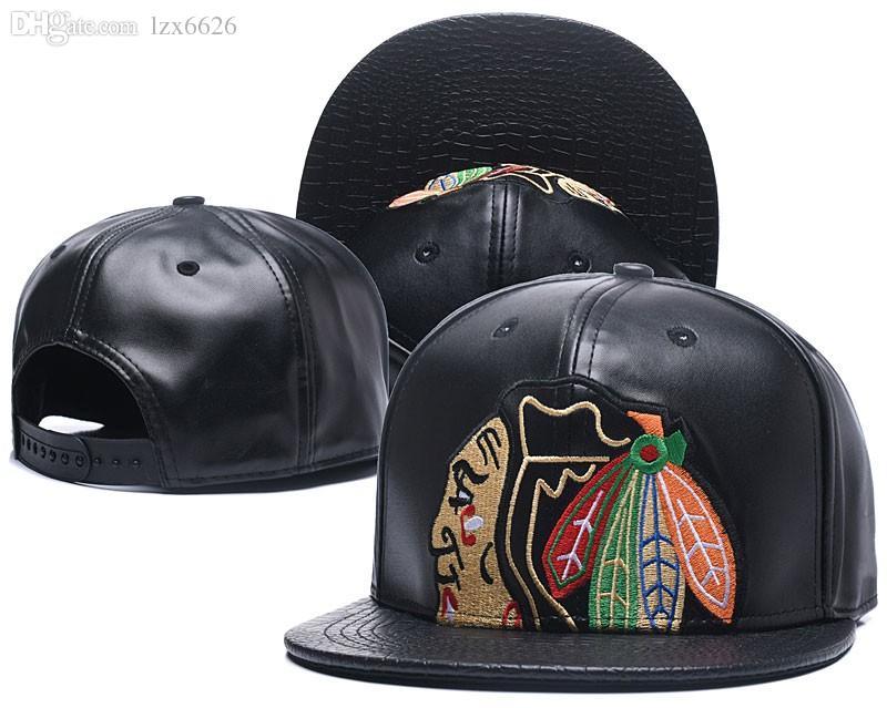 Compre Hombres De Cuero Negro Completo Chicago Blackhawks Snapback Hat Logo  Bordado Deportes NHL Hockey Sobre Hielo Ajustable Gorras De Béisbol Plano  Gorras ... 28ecb0b285f
