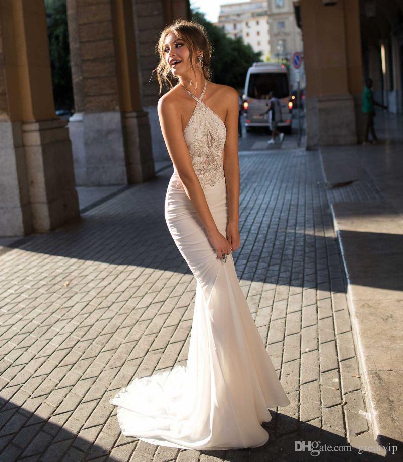 Berta Bohemian Vestidos de boda sin espalda Halter Cuello Sirena Gobierno de cuentas con cuentas barato Truente Trompeta Vestido de novia sin mangas
