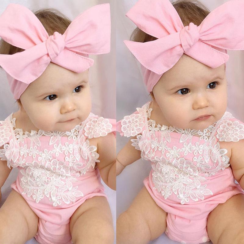 75e9f3fbc Compre Bebés Recién Nacidos Niñas Ropa De Encaje Ropa De Flores Mono Rosa  De La Flor Trajes De Diadema Ropa De Bebé Traje De Sun 0 18 M A  35.34 Del  Curd ...