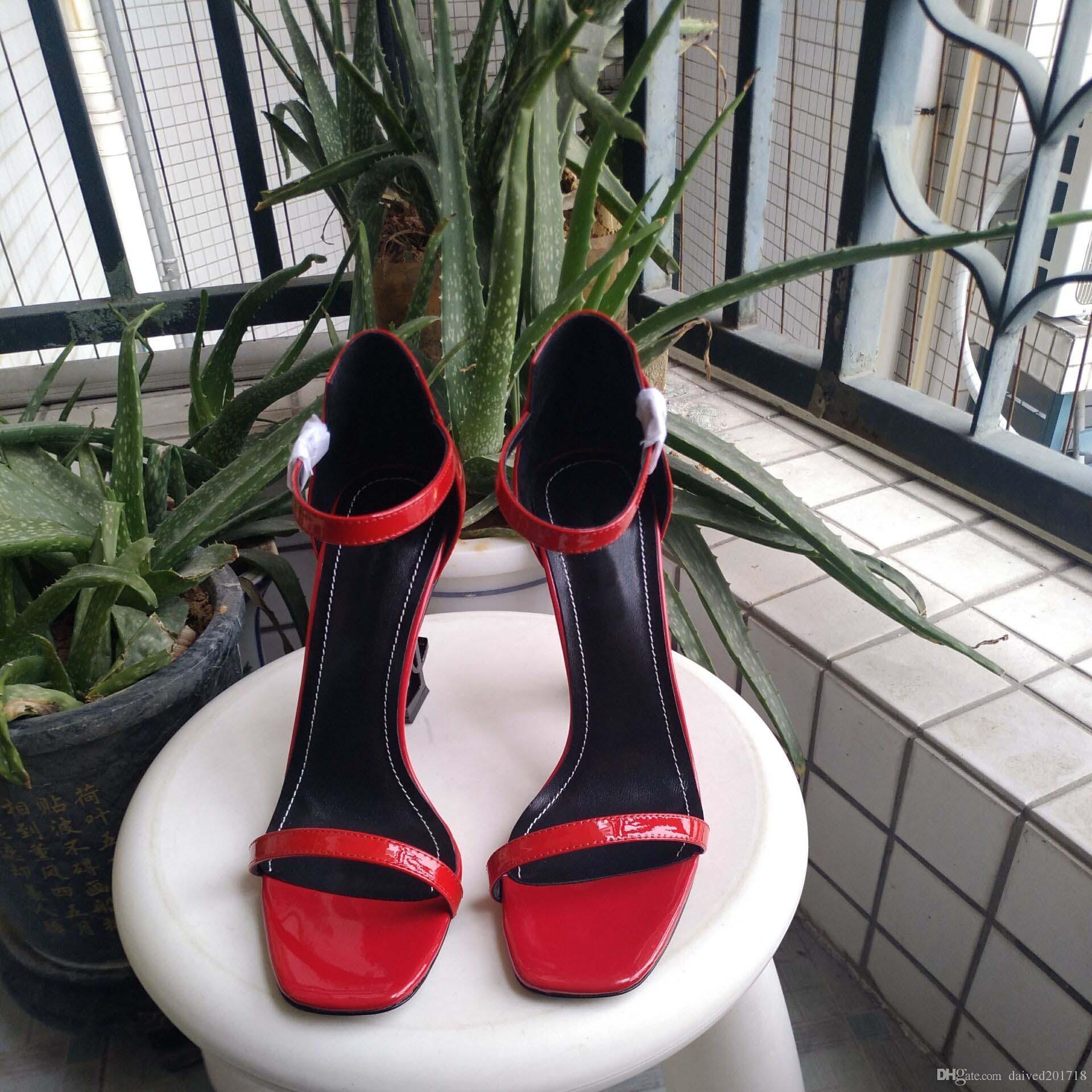 Yeni Avrupa lüks stil klasik yüksek topuklu sandalet bayan ayakkabıları Paris süpermodel podyum toka kauçuk taban