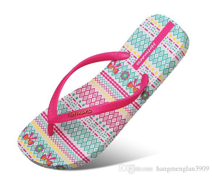 Hotmarzz mujeres Flip Flops deslizadores de moda zapatillas de verano Home Beach Shoes Pantufa 2018 Ladies Flat tanga sandalias zapatos de mujer