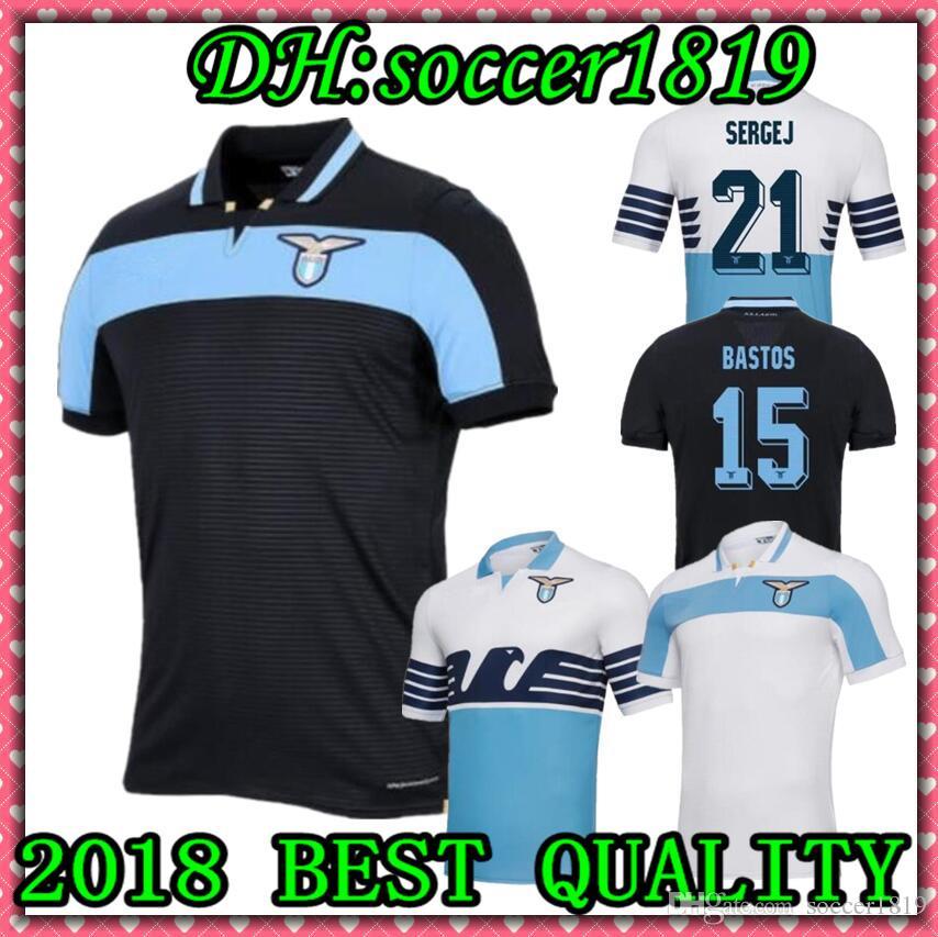 3b13c89340 Compre 2018 New Lazio Home Camisolas De Futebol 18 19 Away F.Anderson Lucas  Kishna Basta Jord Jevic Keita Immobile Lulic Camisas De Futebol Uniforme De  ...
