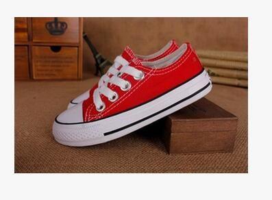 Zapatos de lona del muchacho y de la muchacha de la alta calidad 2018 a estrenar Zapatos de las mujeres bajas Zapatos de zapato plano con cordones del Oxford