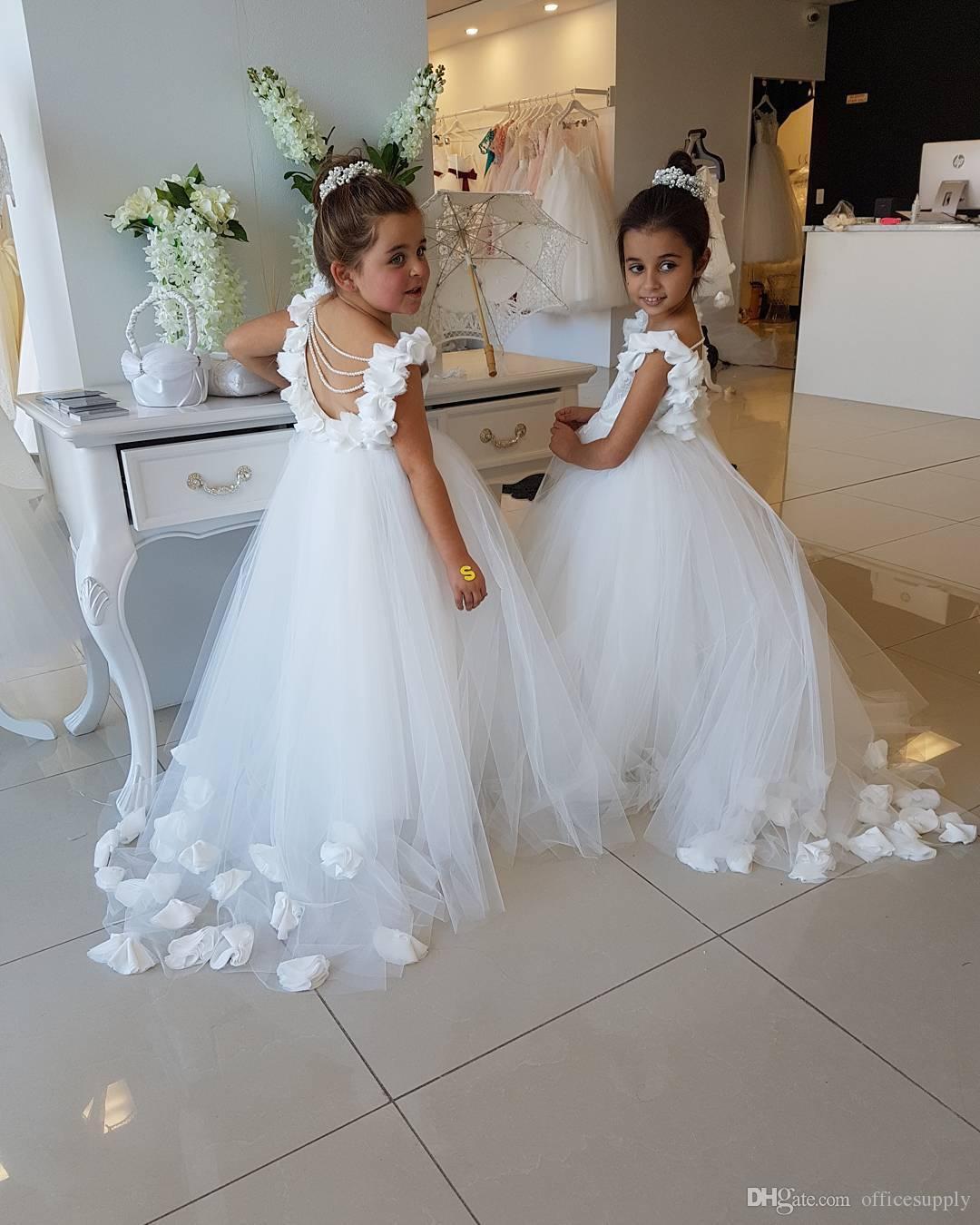 2019 Vestidos de flores para bodas Scoop Ruffles Lace Tulle Pearls Backless Princesa Niños Boda Cumpleaños Fiesta
