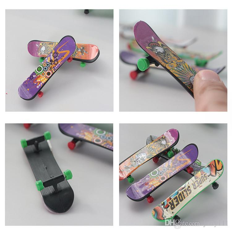 Mini Finger Skateboard Fingerboard KIDS TOY Kid Finger Sport Scooter Skate Party Favors Educational Gift Toys LC84 Finger Family Puppets Family Finger ...