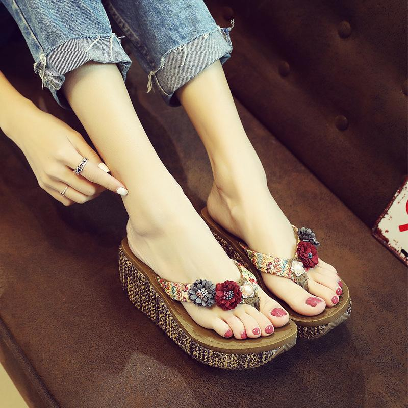 50ce6cc94 Female Sandals And Slippers Flip Flops 2018 Summer Ms. Flat Bottom Toe  Casual Shoes Ms. Fashion Thick Clip Feet Flip Flops Fringe Sandals Silver  Wedges From ...