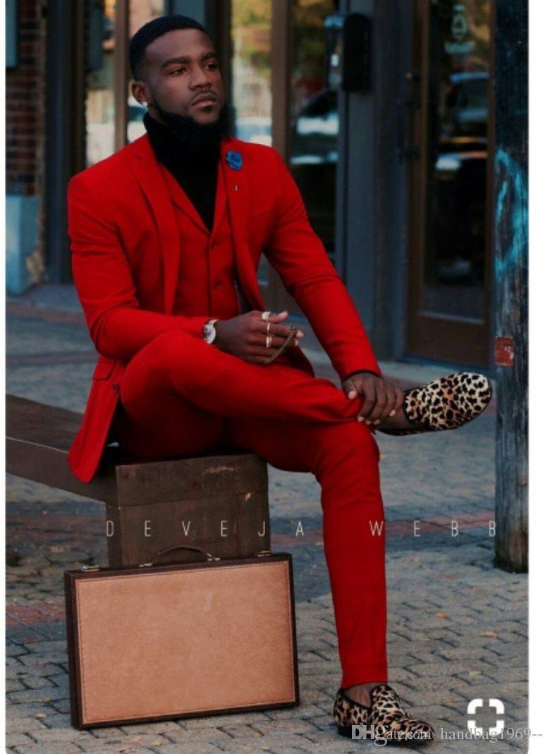 Mais recente Projeto Dois Botões de Noivo Smoking Vermelho Lapela Lapela Groomsmen Melhor Homem Ternos de Casamento Dos Homens Jacket + Pants + colete + Gravata D: 294