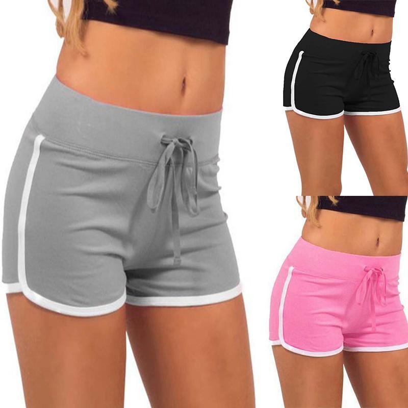 bbda9ff36024 Acquista 2018 Donna Sport Fitness Pantaloncini Da Yoga Donna Pantaloncini  Sportivi Cool Ladies Sport Running Short Fitness Abbigliamento Da Jogging  Plus ...