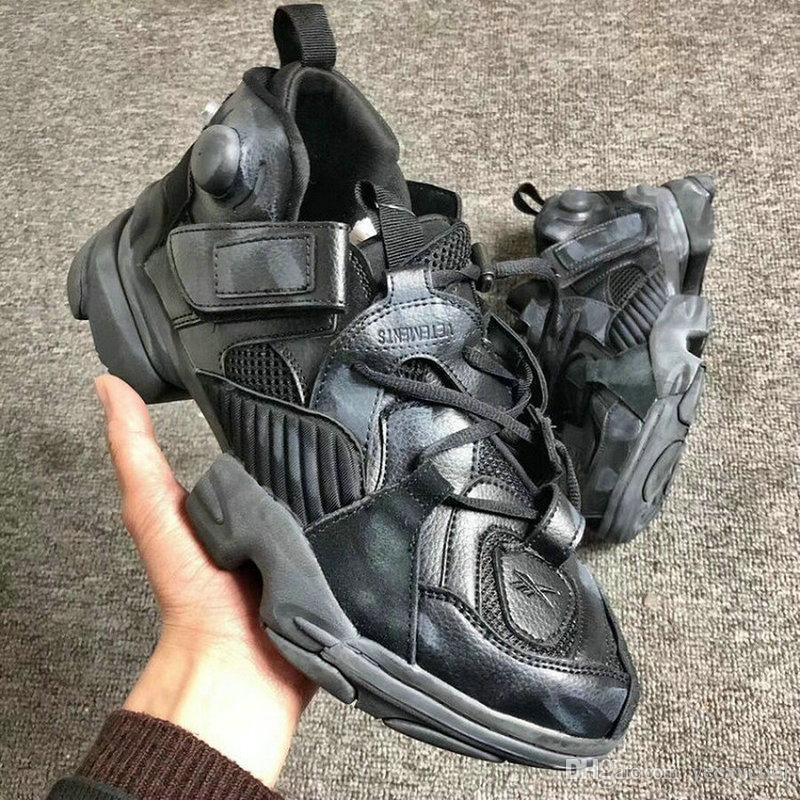 Originals Reebok x Vetements 17 conjointement avec des baskets à pompe génétiquement modifiées Hommes Femmes Chaussures de course gonflables Taille