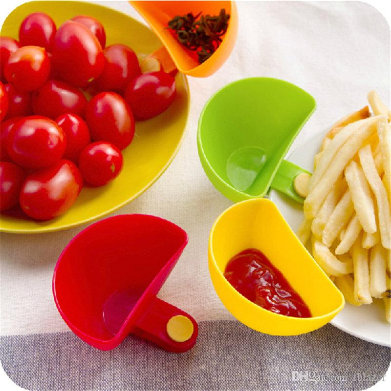 Multifunctional Plastic Sauce Dish Condiment SeasoningBox Dish Clip Salad Plates Creative Kitchen Accessory Set