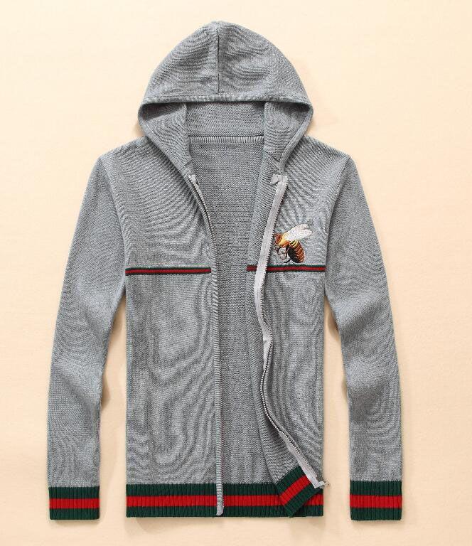 a099e1c00e1ab Compre 2018 Nueva Llegada Cardigan V Cuello Polo Suéter GUCCI Hombres  Abrigo Casual De Algodón