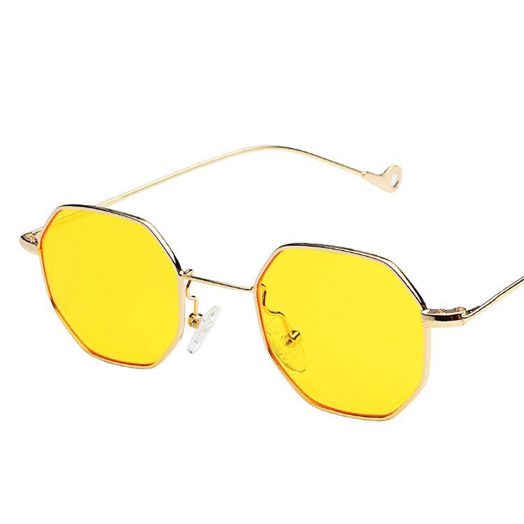 Compre Moda Óculos De Sol Azul Amarelo Vermelho Matizado Óculos De Sol Das Mulheres  Pequeno Quadro Polígono 2018 Marca Design Óculos De Sol Do Vintage Para ... 1f24dadc91