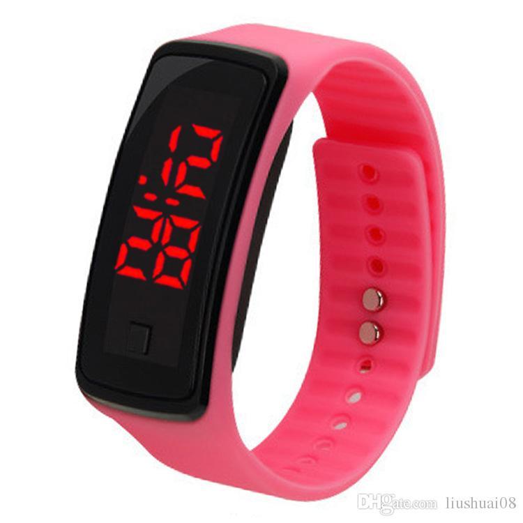 fe467b500c8 Compre Nova Moda Das Mulheres Dos Homens Casuais Esportes Pulseira Relógios  LED Branco Eletrônico Digital Candy Color Silicone Relógio De Pulso Para ...