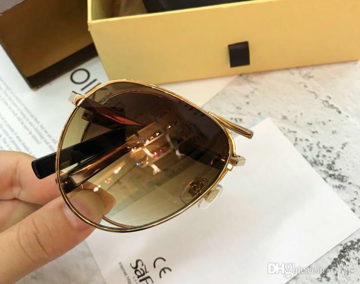 e902921a8 Compre Óculos De Sol De Ouro Do Metal Piloto Dobrável Ouro / Marrom  Sombreado Mens Designer De Luxo Óculos Gafas De Sol Novo Com O Caso De  Wige, ...