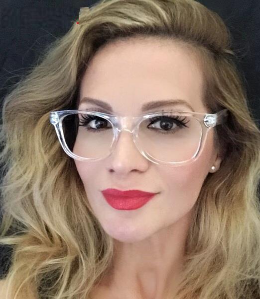 68fc90f3f8a25 Compre Mulheres Óculos De Armação Transparente Óculos De Prescrição Retro  Claro Óculos De Olho Óptico Armações De Óculos De Armação Dos Homens Das  Mulheres ...