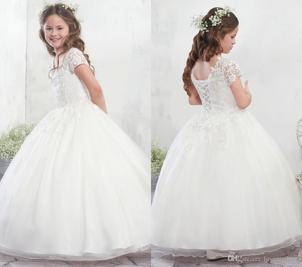 2018 Romantic Lace Flower Girls Dresses Wedding Dresses For Kids Little Girl Junior Cute Princess V Neck Short Sleeves Tulle White Ivory