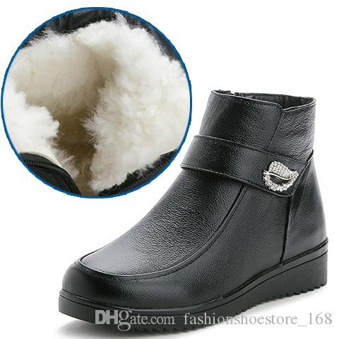 5fe7b69e2 Compre Botas De Nieve De Piel Genuina De Invierno Para Mujer Botas Gruesas  De Lana Madre Cálida Botas De Diamante Botines Antideslizantes Zapatos De  ...