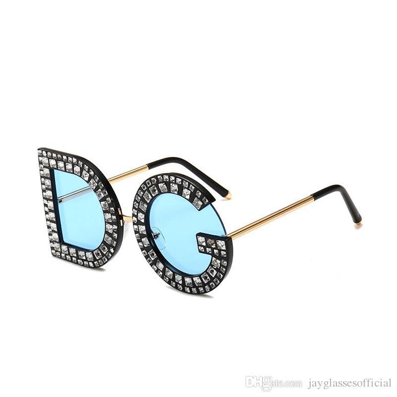 c92068022c7 Brand Design Fashion Diamond Oversized D Square Sunglasses Women Men High  Quality G Fashion Sunglasses Luxury Eyeglasses Lentes De Sol Heart Shaped  ...