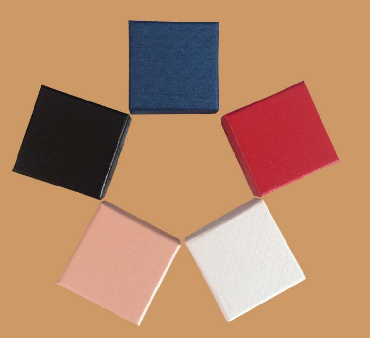 5 * 5 * 3CM عرض مجوهرات مربع / الكثير متعدد الألوان BlackSponge الماس Patternn ورقة حلقة / الأقراط مربع التعبئة والتغليف هدية مربع GA56