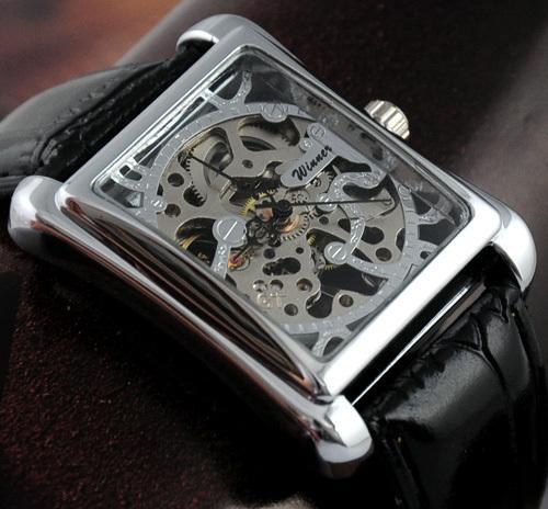 8882dd69a98c Compre Nuevo Reloj De Pulsera De Acero Con Forma Cuadrada GANADOR Mecánico  De Cuerda Manual Reloj De Pulsera De Cuero Negro Con Correa Vintage A   28.16 Del ...