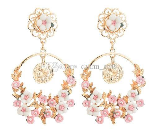 new hot Style The new baroque brand of vintage fresh rose flower resin large ring earrings fashion classic delicate