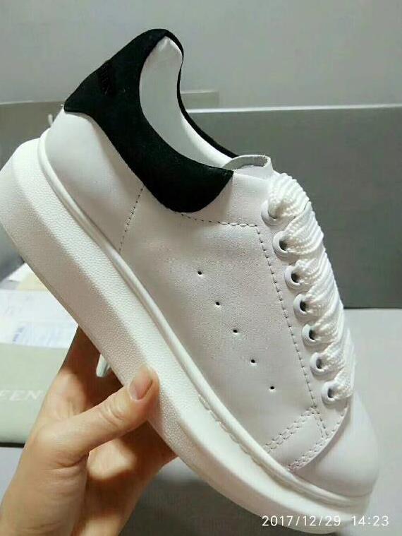 71efd0564d Compre 2018 Zapatos Casuales De Moda De París Venta Caliente Para Mujer Para  Hombre Diseñador De Moda Zapatillas Calzado Calle Vestido Zapato Tenis  Venta ...