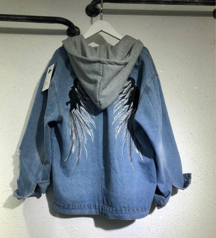 d382e84b6 New 2018 Women Denim Jacket Fashion Embroidery Angel Wings Loose Jean Caots  Jacket Female Hooded Denim Coat Casual Style Jaqueta