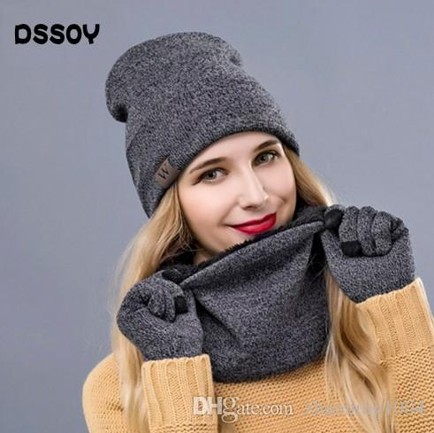 7727ec01ccd Thick Acrylic Knitted Beanies And Neck Warmer And Touch Screen ...