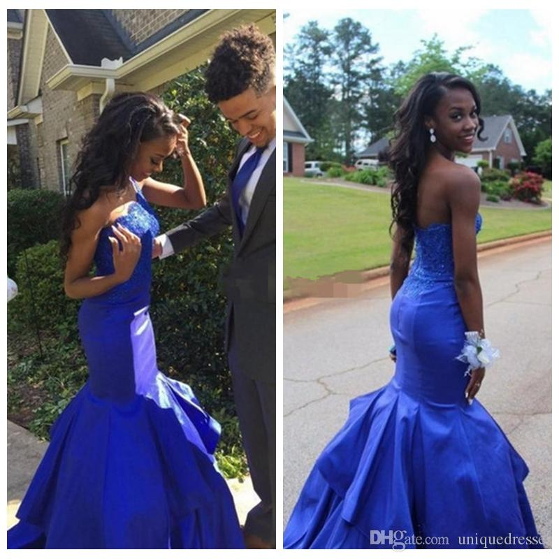 Royal Blue Mermaid Prom Dresses Lungo One spalla spalla Appliques Sweep Train abiti da sera Tiered Black Girls Dress