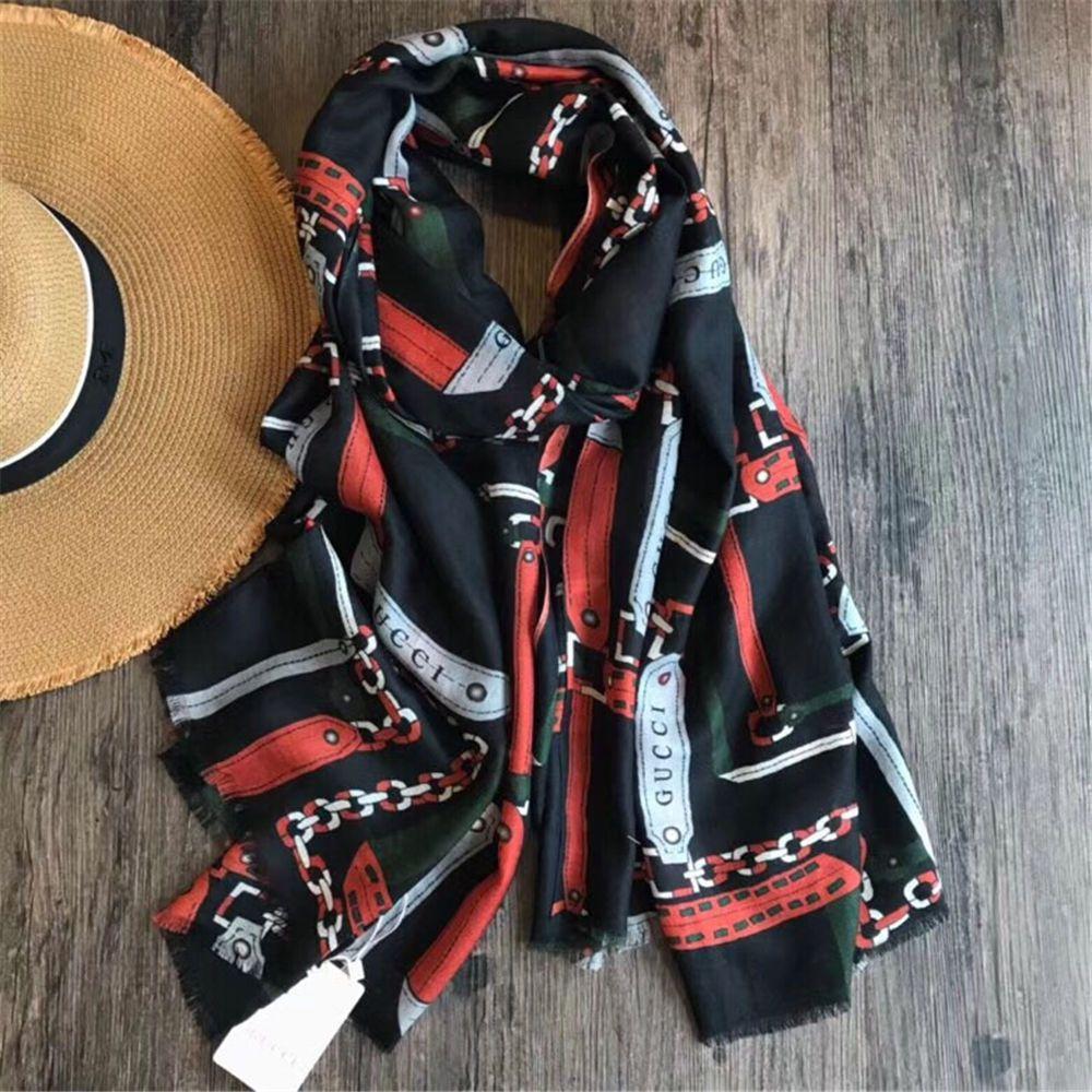 Acquista 2018 Moda Donna Sciarpa Calda Sciarpa Calda Invernale In Cashmere  Scialle Donna Coperta Scozzese Elegante Foulard Femme Donna A  68.85 Dal ... 4d4b7c79a569