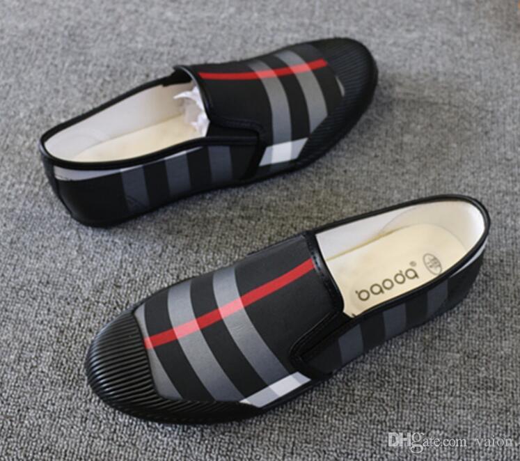 Moda Erkekler Yaz Mesh nefes Nedensel Flats Loafer'lar ayakkabı Moccasins İngiliz ızgara Erkek rahat Sürüş Gommino ayakkabı Adam Için