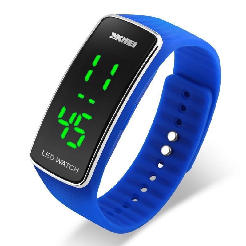 9f1defecd32 Compre SKMEI Esportes Militar Digital Watch Mulheres Moda Casual LED Digital  Relógios De Pulso Silicone Strap Calendário Completo Relogio Feminino 1119  De ...