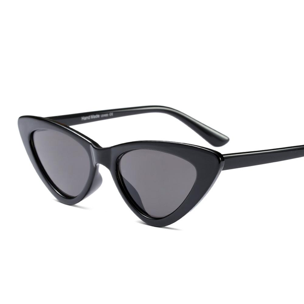90dc87a79c197 Compre Olho De Gato Preto Óculos De Sol Das Mulheres Designer De Marca 2018  Barato Branco Vermelho Óculos De Sol Para As Mulheres Retro Uv400 De  Stevefan, ...