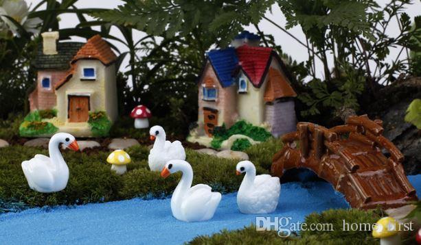 Cartoon Mini Cygnus Fake Animal Colgante Moss Micro Paisaje Resina Artesanía Decoración Del Jardín Adornos de Joyería Fleshy Swan Lovers