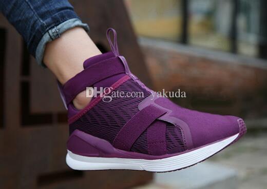 fcebd9dca24 Acheter Chaussures De Course Pour Entraîneurs Fierce Strap Swan WN Pour  Femmes