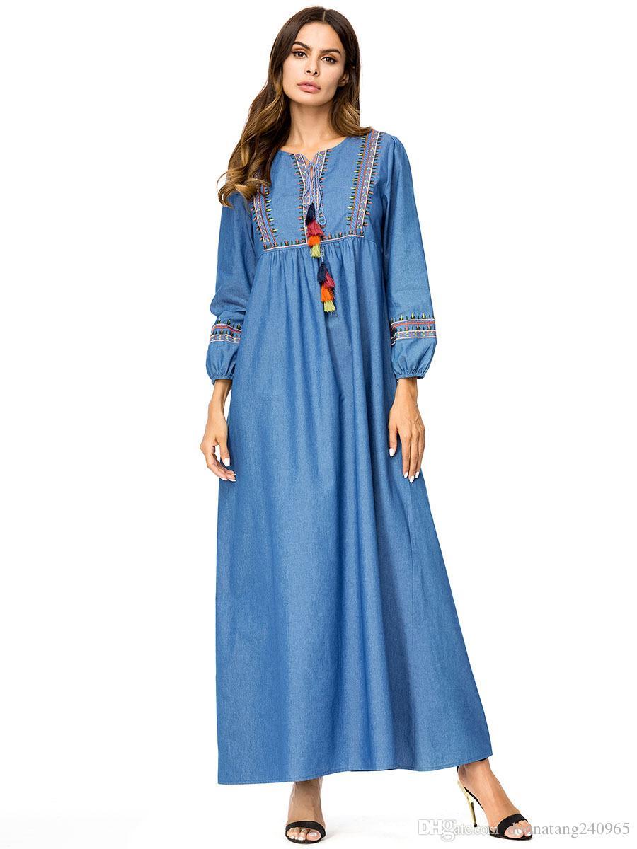19104f37c0 Compre 2018 Outono Oriente Médio Mulheres Muçulmanas Moda Denim Manga  Comprida Casual Solto Bordado Jeans Vestido Longo Ramadan Eid Robe Roupas  Étnicas De ...