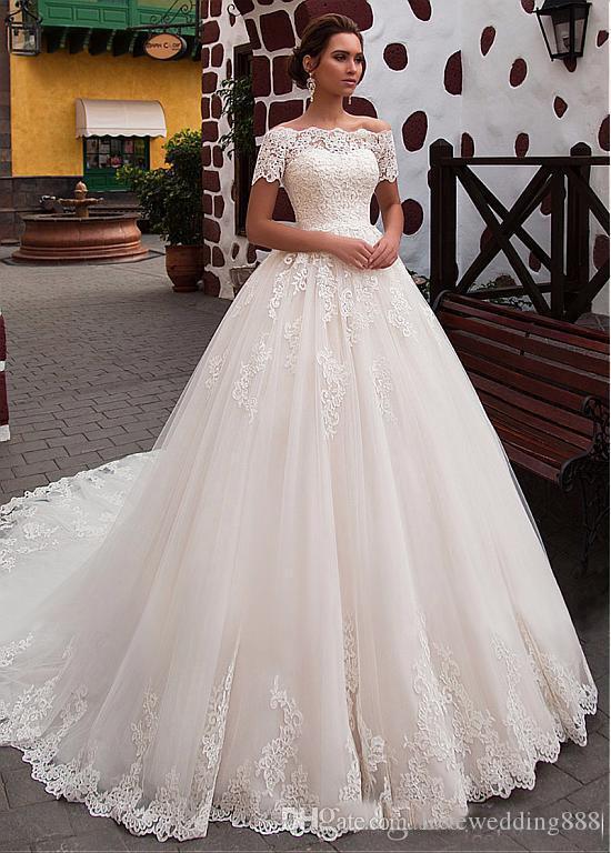 2018 Lace Vintage A linha Do Casamento Vestidos De Baile Marfim Fora Do Ombro Applique Tulle Conde Trem Vestido de Noiva