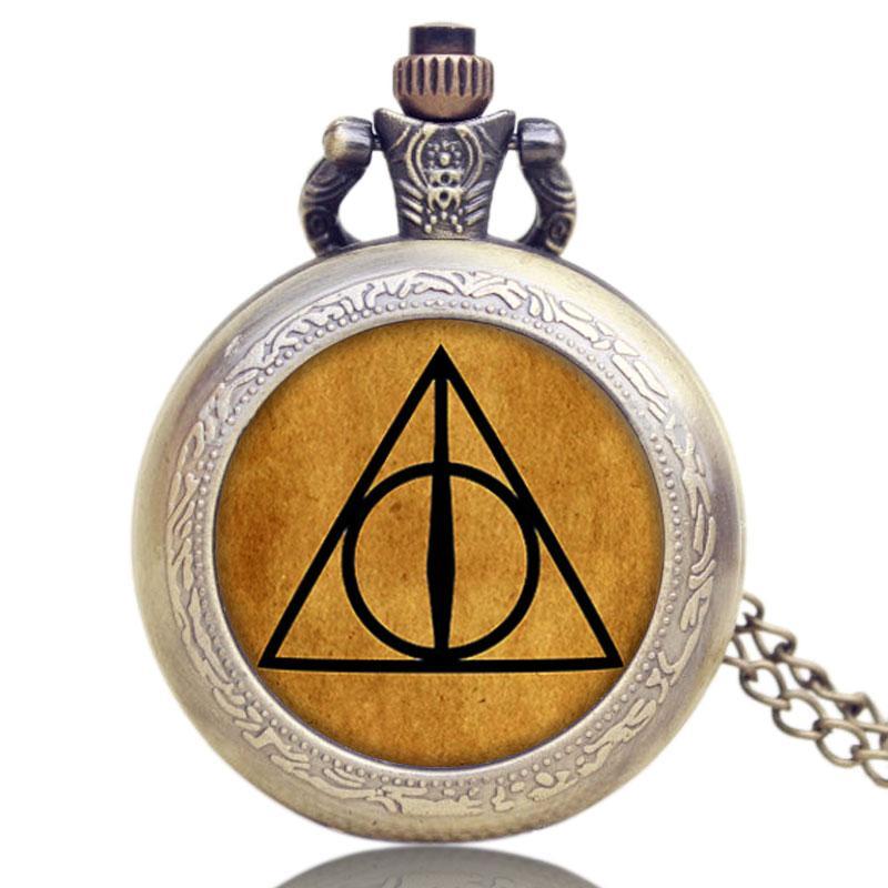a7d44064821 Compre Moda Bronze Luna Triângulo Das Relíquias Da Morte Quartzo Vintage  Relógio De Bolso Colar De Pingente DROPSHIPPING De Goodlines