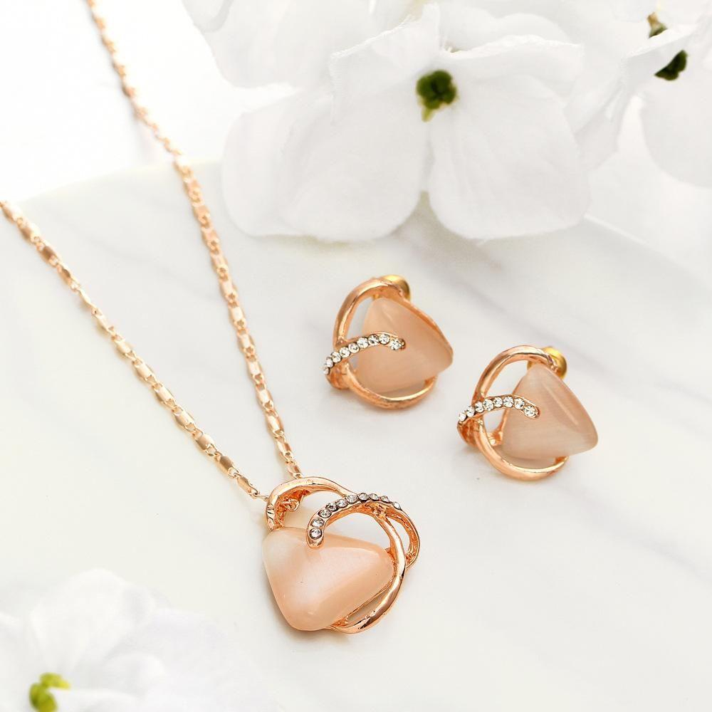 2018 nuovo stile triangolo cat eye orecchini di pietra collana di moda in lega di cristallo gioielli con perno donne ragazze regalo